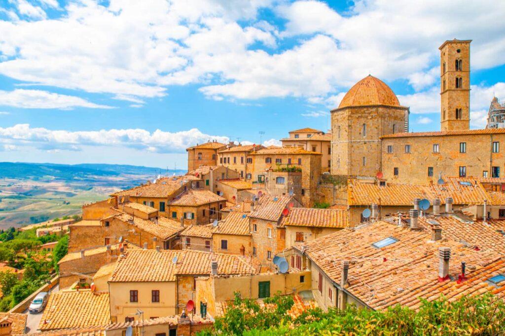 Volterra, antico borgo in Toscana